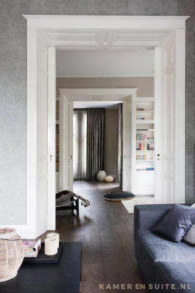 Kamer en suite doorkijk