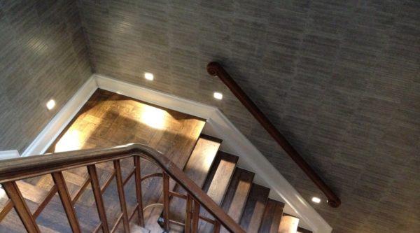 Trap met eiken bekleding eikenhouten trappenhuis