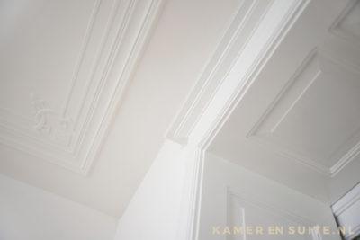 Ornamentenplafond en geboste panelen
