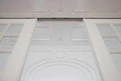 bovenpanelen met verdekt geplaatste schuifdeurrails